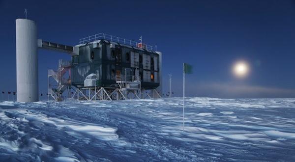 """Conferencia en Zaragoza """"El día mas largo de mi vida. Un año en el Polo Sur a la caza de neutrinos"""""""